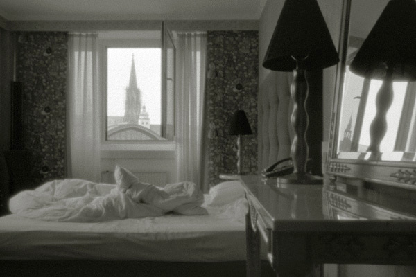 Unmade-bed-2